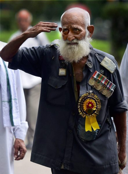 An Ex-serviceman during a protest over the delay in implementation of One Rank, One Pension (OROP) at Jantar Mantar in New Delhi. Credit: PTI Photo by Manvender Vashist